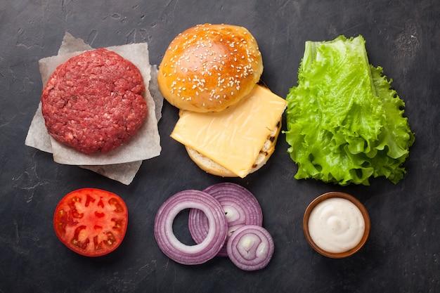 Hamburger bausatz. Premium Fotos