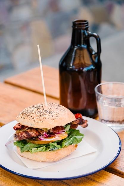 Hamburger und speck Kostenlose Fotos