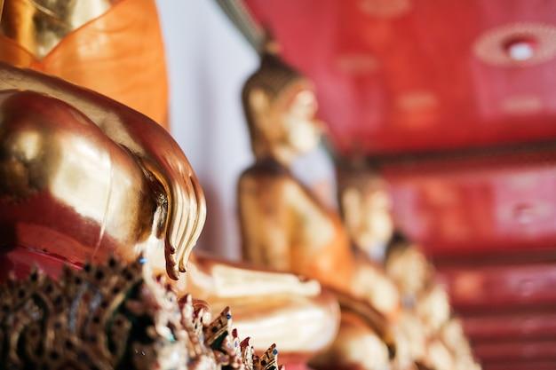 Hand von buddha im tempel Premium Fotos
