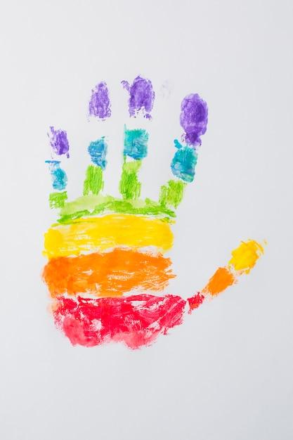 Handabdruck in hellen lgbt-farben Kostenlose Fotos