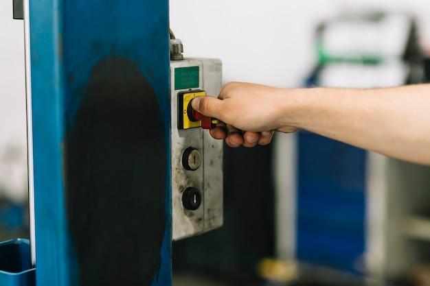 Handdrehhebel am locklift Kostenlose Fotos