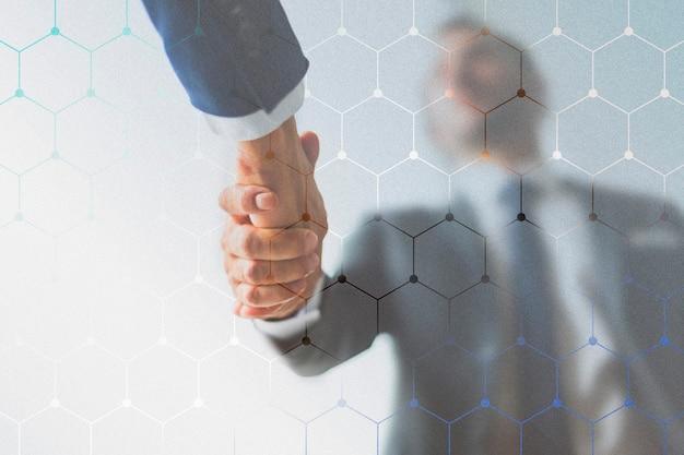 Handshake zwischen unternehmen Kostenlose Fotos
