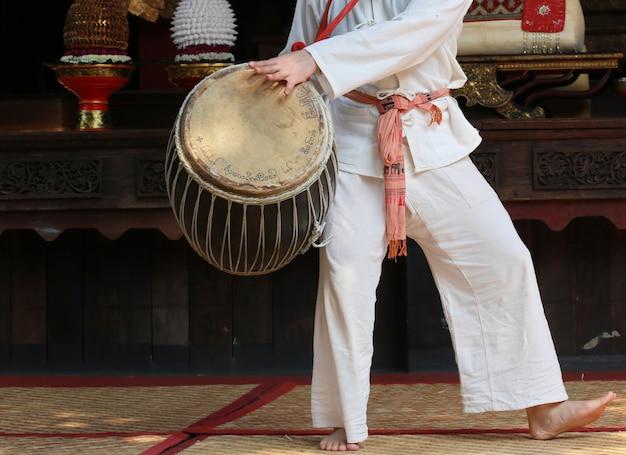 Handspieltrommel, thailändische art Premium Fotos