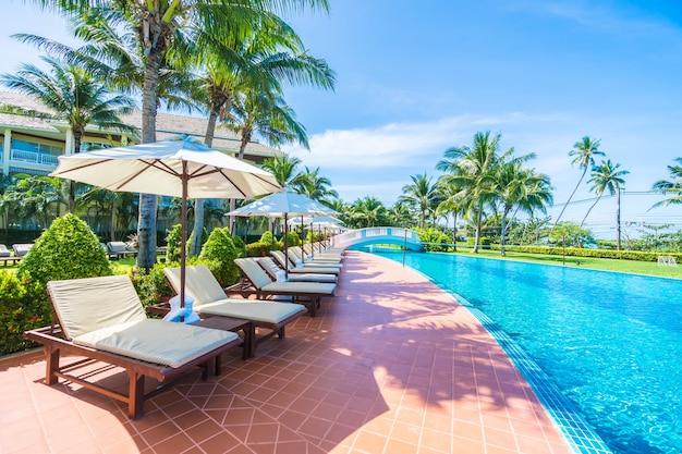 H ngematten mit palmen download der kostenlosen fotos - Hamacas de piscina ...