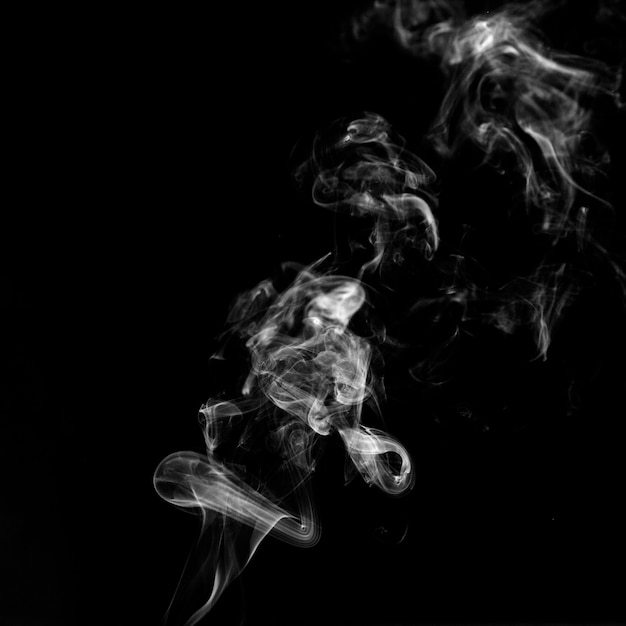 Hauch von weißem rauch Kostenlose Fotos