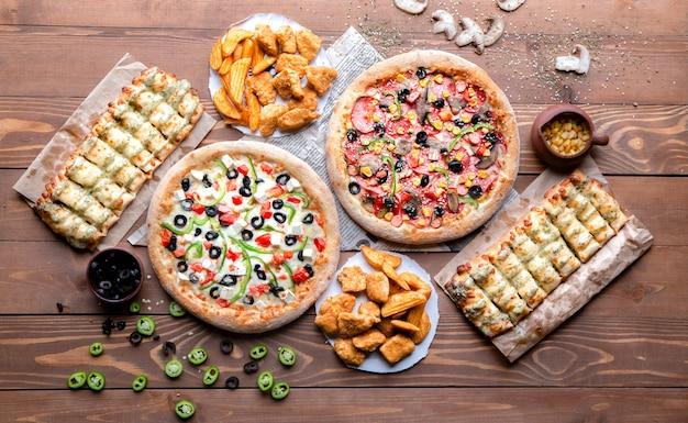 Haufen essen zum mittagessen Kostenlose Fotos