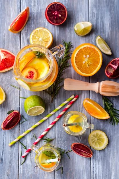 Hausgemachte frische limonade Premium Fotos