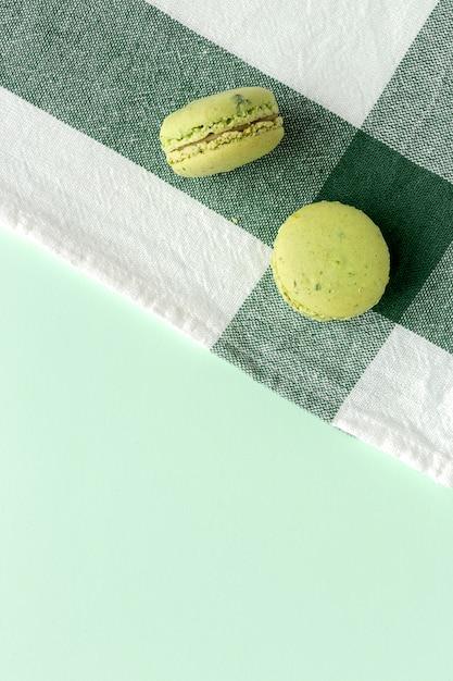 Hausgemachte grüne macarons Premium Fotos