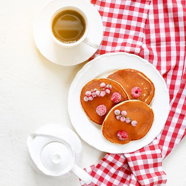 Hausgemachte klassische amerikanische pfannkuchen Kostenlose Fotos