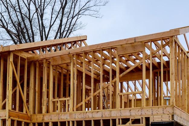 Hausholzrahmen für ein fortschreitendes haus. Premium Fotos