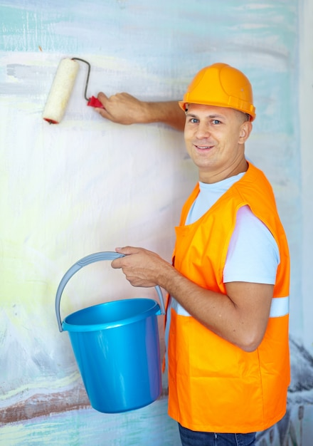 Hausmaler mit farbroller Kostenlose Fotos