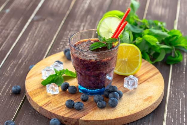 Heidelbeer-smoothies Premium Fotos