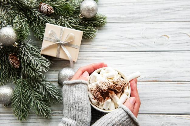 Heiße kakao- und weihnachtsdekorationen Premium Fotos