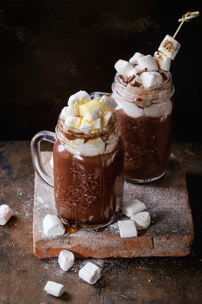 Heiße schokolade mit marshmallow Premium Fotos