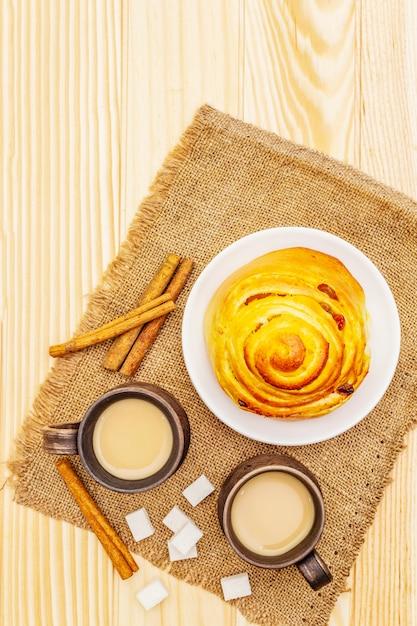 Heißes herbstgetränkkonzept des süßen kaffees Premium Fotos