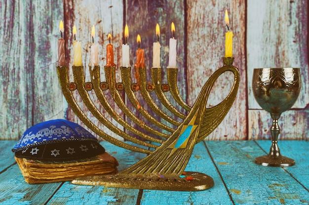 Hell glühende weichzeichnung chanukkas menorah Premium Fotos