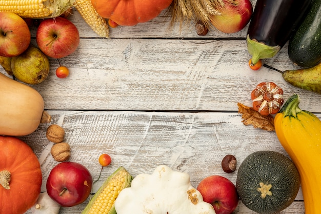 Herbstrahmen mit kopienraum Kostenlose Fotos