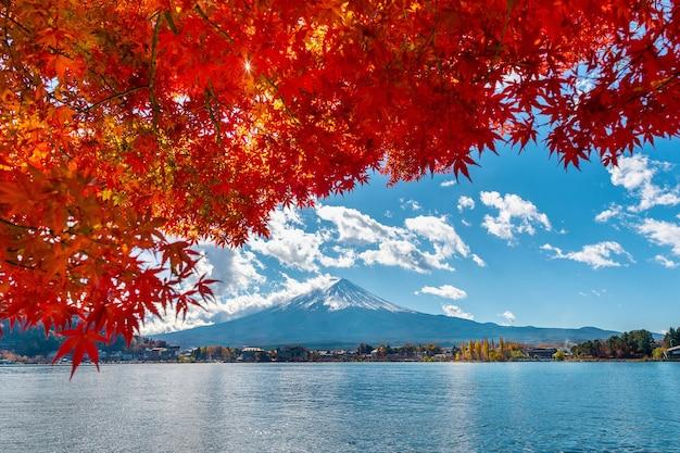 Herbstsaison und fuji-berg am kawaguchiko-see, japan. Kostenlose Fotos
