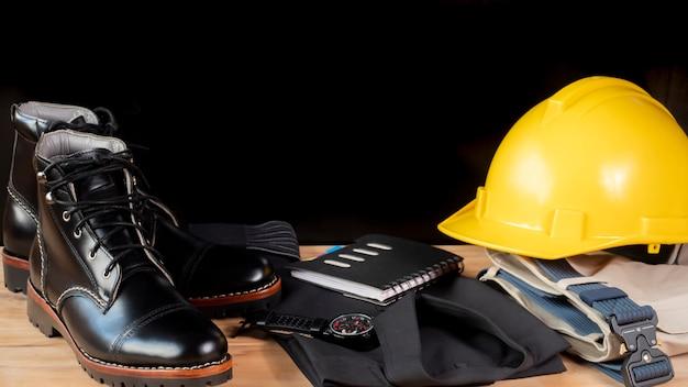 Herrenmode kleidungsset und accessoires. ingenieur kleidung konzept Premium Fotos