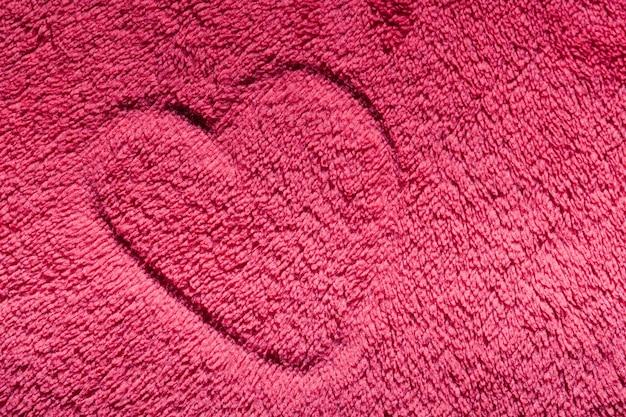 Herz auf einem teppich gezogen Kostenlose Fotos