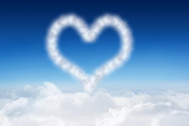 Herz gemacht mit wolken | Download der kostenlosen Fotos