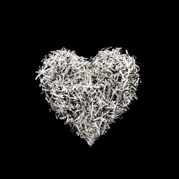 Herzformdekoration von der papierkunst auf schwarzem farbhintergrund Premium Fotos