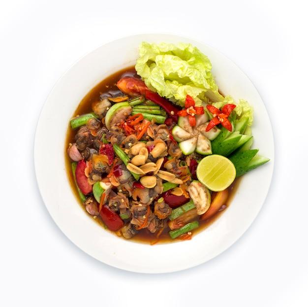 Herzmuscheln würziger salat in eingelegter fischsauce thai essen scharf Premium Fotos