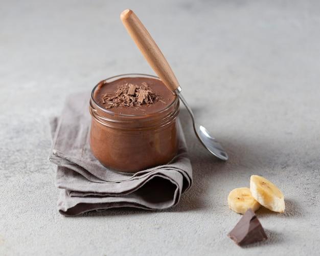 High angle bananen- und schokoladenpudding Kostenlose Fotos