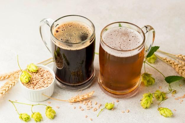 High angle biere und weizensamen Kostenlose Fotos
