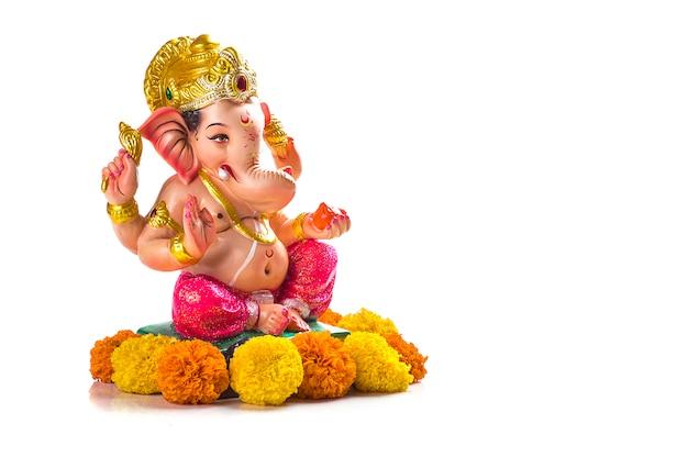 Hindugott ganesha. ganesha idol auf weiß. Premium Fotos