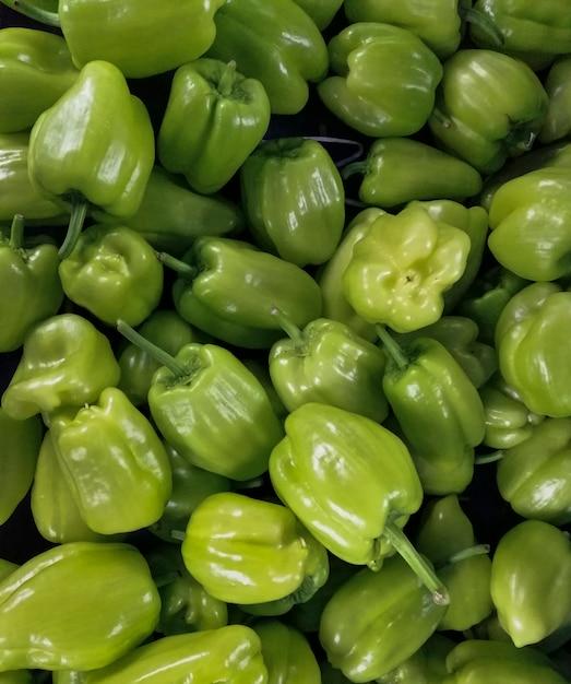Hintergrund der grünen paprikas Kostenlose Fotos