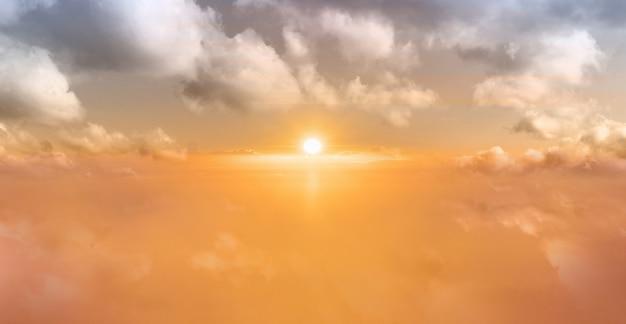 Hintergrund des sonnenaufgangshimmels Premium Fotos
