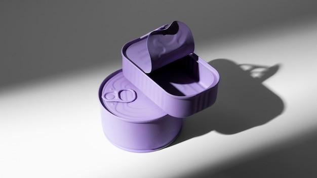 Hochwinkel lila blechdosen mit kopierraum Kostenlose Fotos