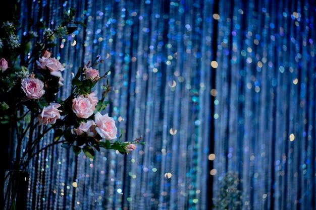 Hochzeitsblume auf glanz blauen hintergrund Premium Fotos