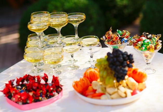 Hochzeitsbuffet Premium Fotos