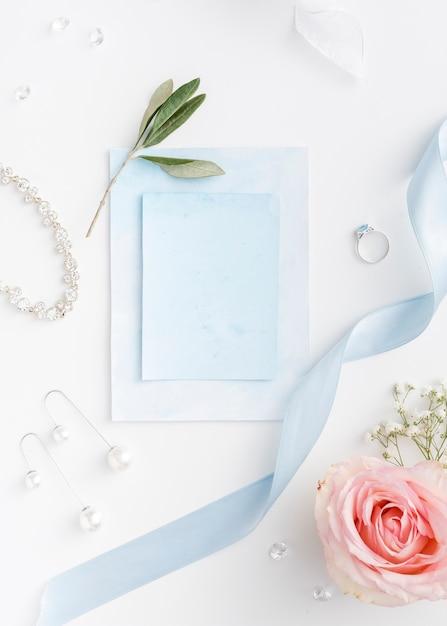 Hochzeitseinladung und verlobungsring Kostenlose Fotos