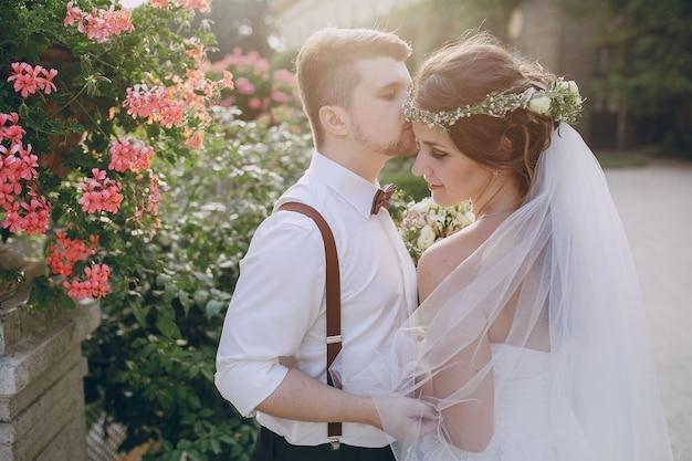 Hochzeitspaar In Der Liebe Download Der Kostenlosen Fotos