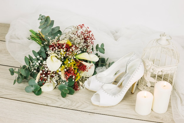 Hochzeitsschuhe mit blumen Kostenlose Fotos