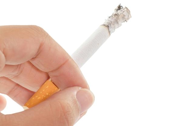 Hör auf zu rauchen, hände halten das brechen der zigarette Premium Fotos