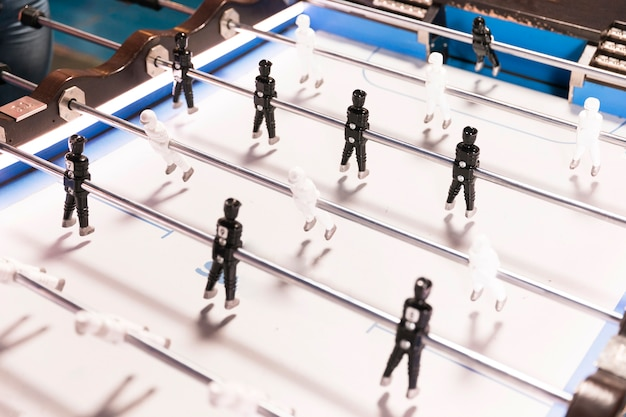 Hohe ansichtfußballtabelle mit weißem hintergrund Kostenlose Fotos