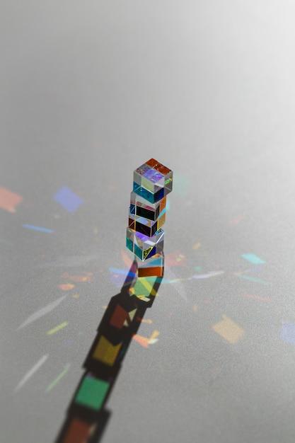 Hoher sichtstapel von prismen und strahlen Kostenlose Fotos