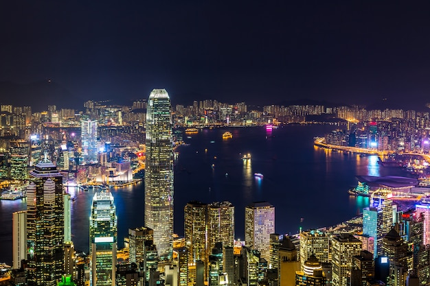 Hong kong-stadtansicht von der spitze nachts, victoria harbor-ansicht von victoria peak nachts, hong kong. Premium Fotos