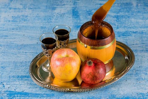 Honigglas mit äpfeln rosh hashana hebräischer religiöser feiertag Premium Fotos