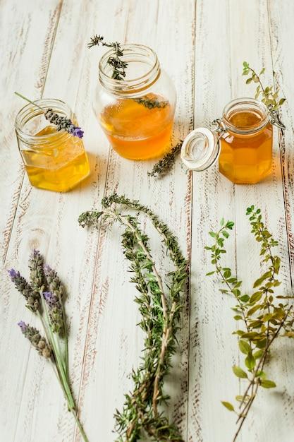 Honigglaslinie mit blättern Kostenlose Fotos