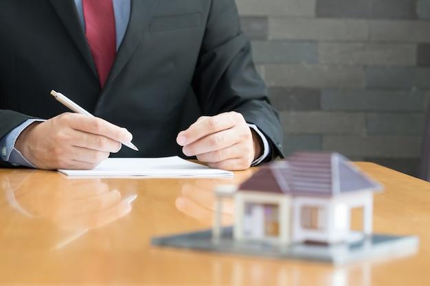 Hypothek nach hause Premium Fotos