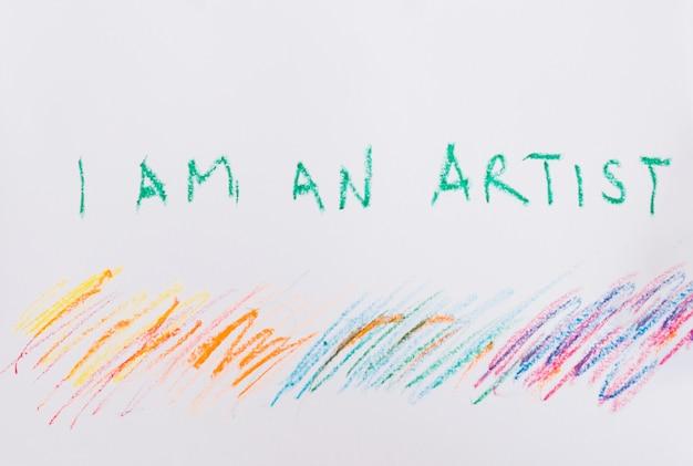Ich bin ein künstlerischer text und ein farbenfroher stiftstift auf weißem papier Kostenlose Fotos