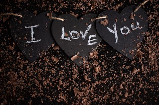Ich liebe dich, kreide auf eine tafel geschrieben. fröhlichen valentinstag. Premium Fotos