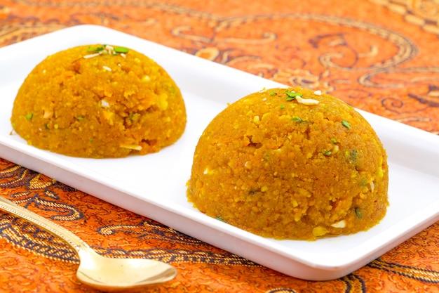 Indisches spezielles süßes lebensmittel halwa Premium Fotos