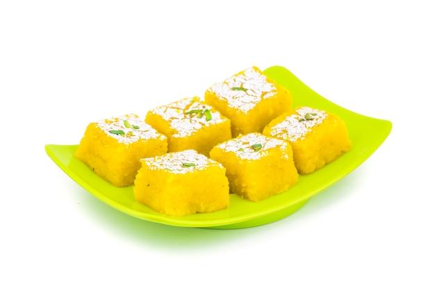 Indisches süßes essen kopra pak Premium Fotos