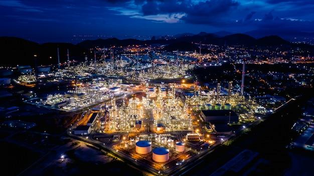 Industriegebiet öl- und gas-lpg-raffinerieanlagen und speicher pipeline in thailand Premium Fotos
